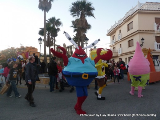 Spongebob Square Pants and friends at The Three Kings Parade at La Duquesa Castle