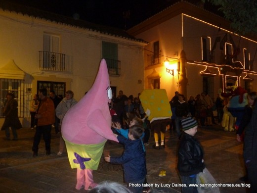 Three Kings procession in Manilva with Spongebob Squarepants and friends