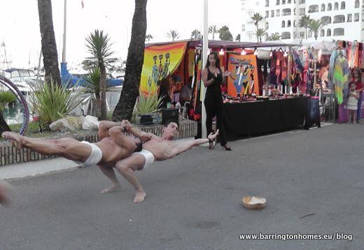 Amazing street performers in La Duquesa