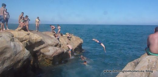 Rock diving Manilva