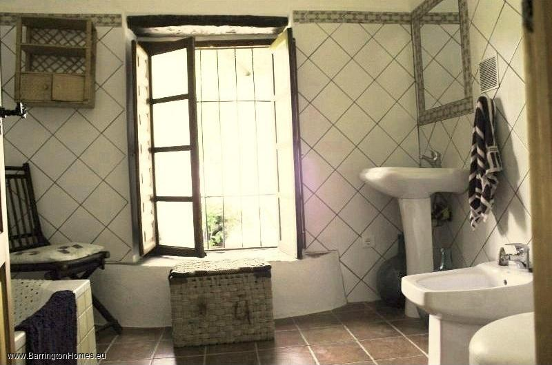 4 Bedroom Villa, Casares. Bathroom, Casares Finca