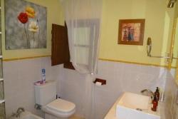 Bathroom, Jimena Finca