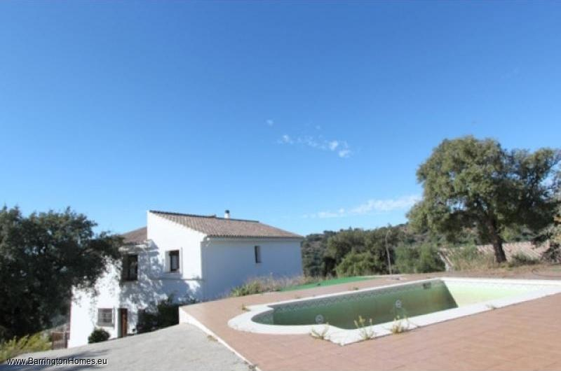 5 Bedroom Finca, Casares. Pool and house