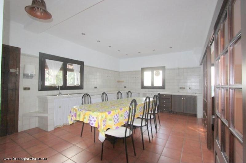 5 Bedroom Finca, Casares. kitchen