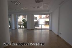 Shop floor windows, Edificio Avenida Uno, Sabinillas