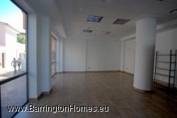 Shop floor front, Edificio Avenida Uno, Sabinillas