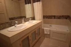 Bathroom, Marina del Castillo, Duquesa