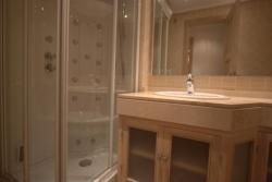 Bathroom 2, Marina del Castillo, Duquesa