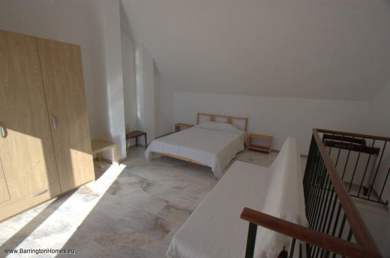 4 Bedroom Townhouse, La Borboleta, Duquesa. Upper Bedroom, La Borboleta