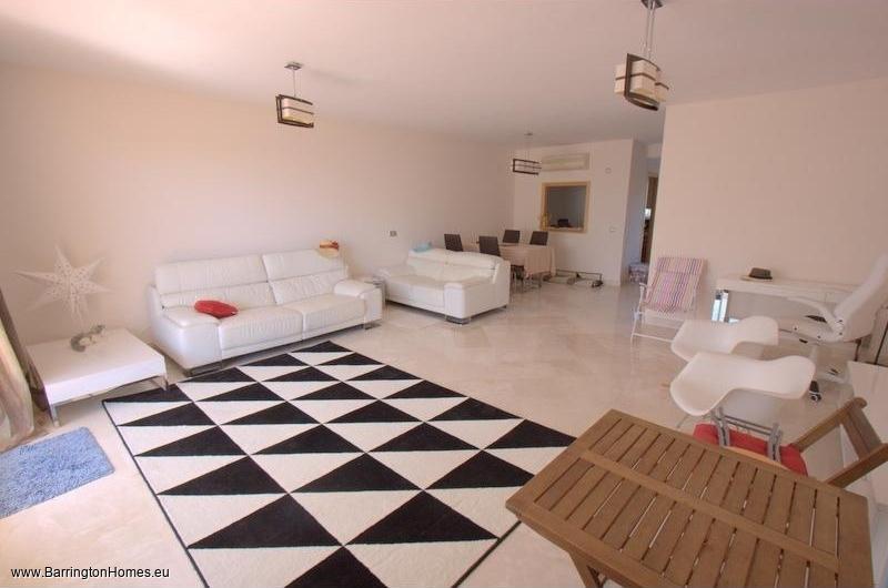 3 Bedroom Townhouse, Bahia de las Rocas, Duquesa.