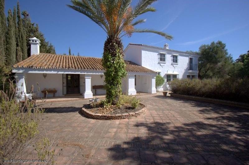 5 Bedroom Finca, Montenegral Alto, San Martin de Tesorillo.