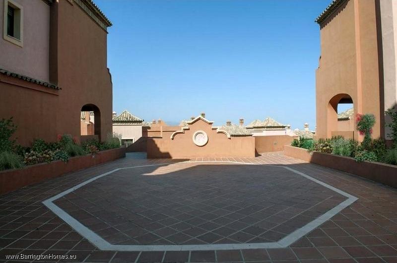 4 Bedroom Townhouse, Residencial Las Villas de Santa Maria, Estepona.