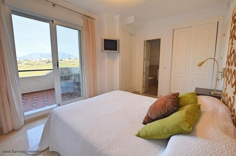 5 Bedroom Townhouse, La Vizcaronda, Duquesa.