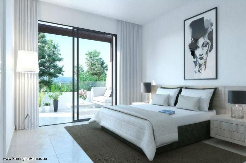 3-4 Bedroom Townhouses, La Resina Golf, Estepona.