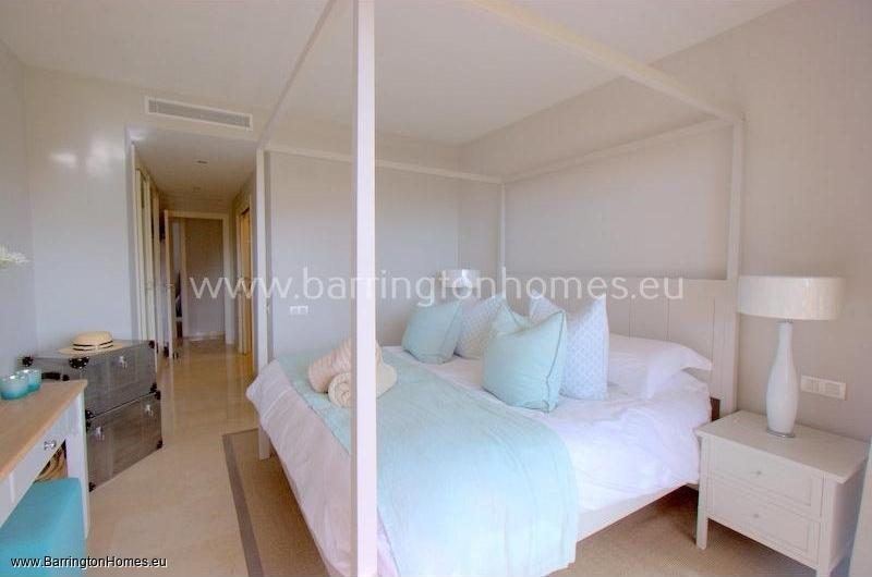 3 Bedroom Luxury Apartment, Los Granados, Duquesa.