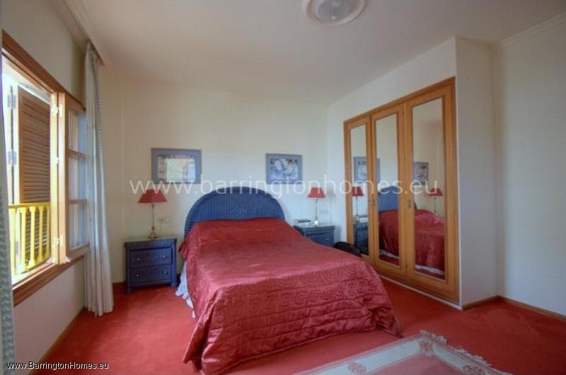 3 Bedroom Apartment, Los Castillos, Duquesa.