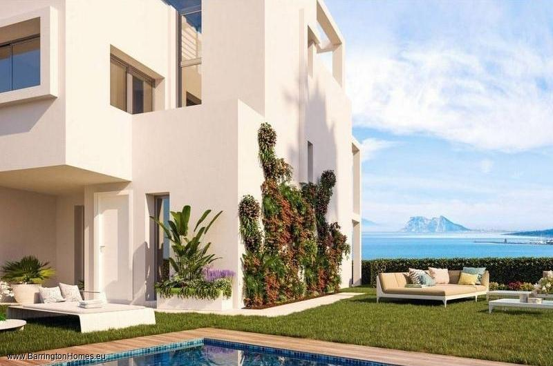 3 & 4 Bedroom Townhouses, Bahia de las Rocas, Manilva.