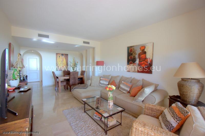 2 Bedroom Apartment, Coto Real, Duquesa.