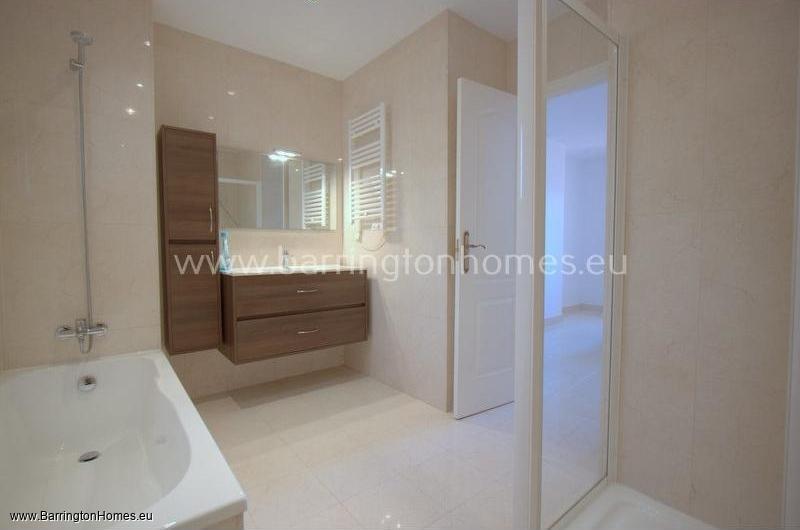 3 Bedroom Apartment, Duquesa Regent, Duquesa.