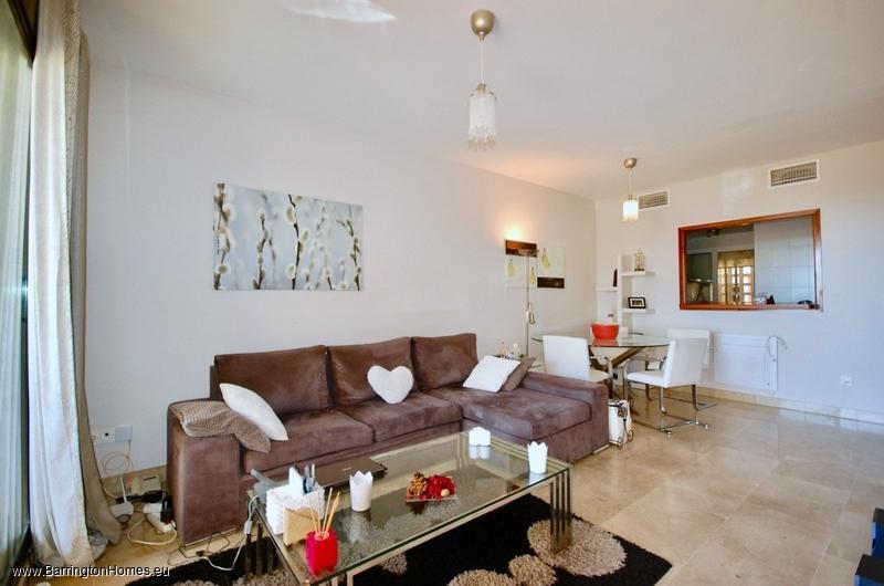 2 Bedroom Apartment, Duquesa Village, Duquesa.