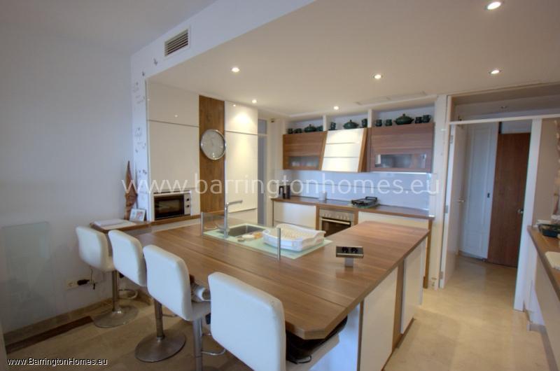 3 Bedroom Apartment, Coto Real, Duquesa.