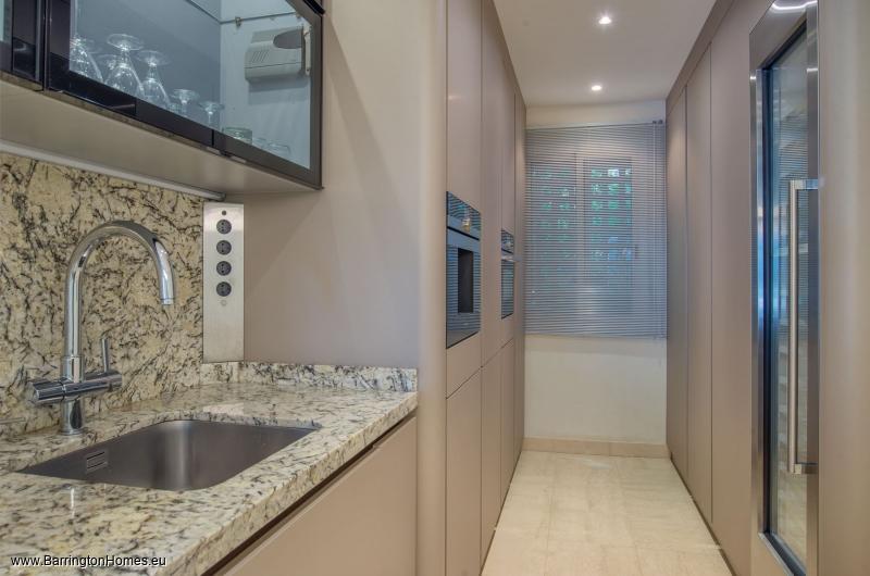 3 Bedroom Apartment, Alcazaba Beach, Estepona.